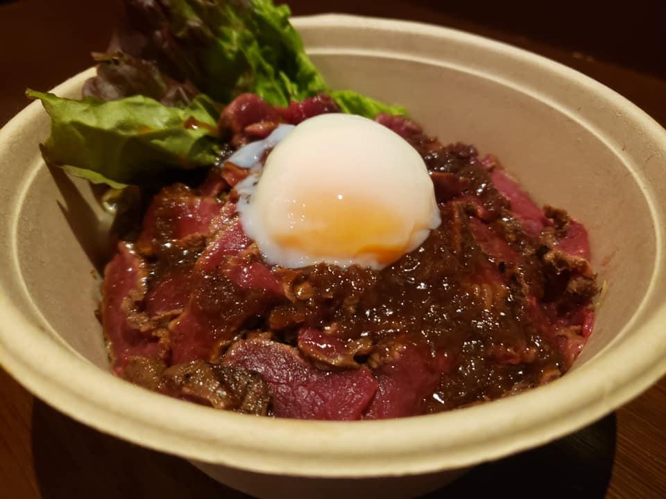 【三田店テイクアウトメニュー】おうちで馬肉を楽しもう♪